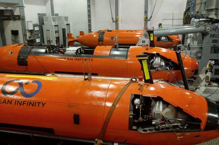 ARA San Juan: cuatro minisubmarinos rastrillan el área