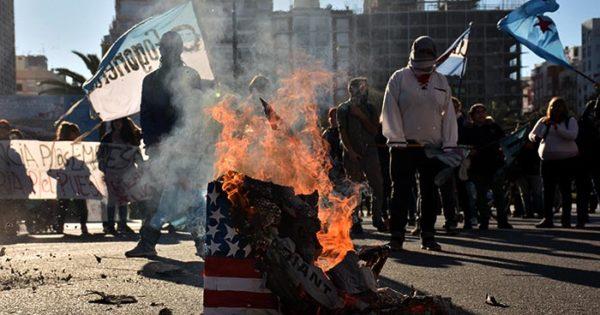 """Marcha y protesta contra el G20: """"Son responsables del hambre"""""""