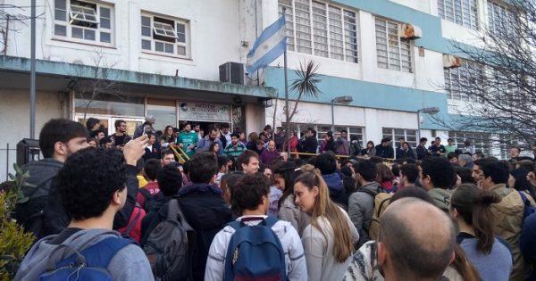 UNMdP: sigue el paro docente e Ingeniería no se suma a la toma