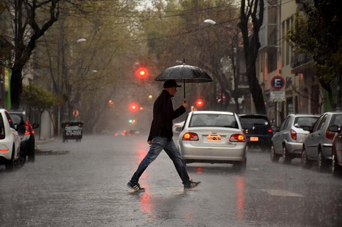 Domingo con intensa lluvia: cómo sigue el tiempo
