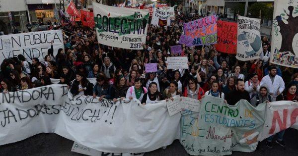 Estudiantes, otra vez en la calle en defensa de la educación pública