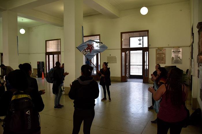 OCUPACION HALL MUNICIPALIDAD PROTESTA MTR VOTAMOS LUCHAR 03