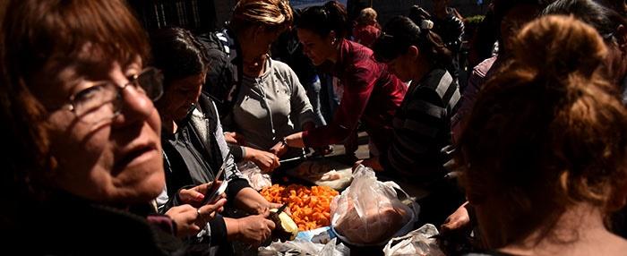 Indigencia y hambre: dura carta de organizaciones sociales a Arroyo