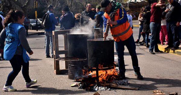 Ollas populares en la ciudad tras el ataque a la docente en Moreno