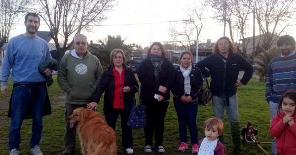 Florencio Sánchez: vecinos cortan el pasto tras la quita del convenio