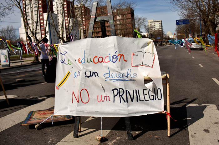 Consejo Escolar: estudiantes piden la renuncia de Di Mario