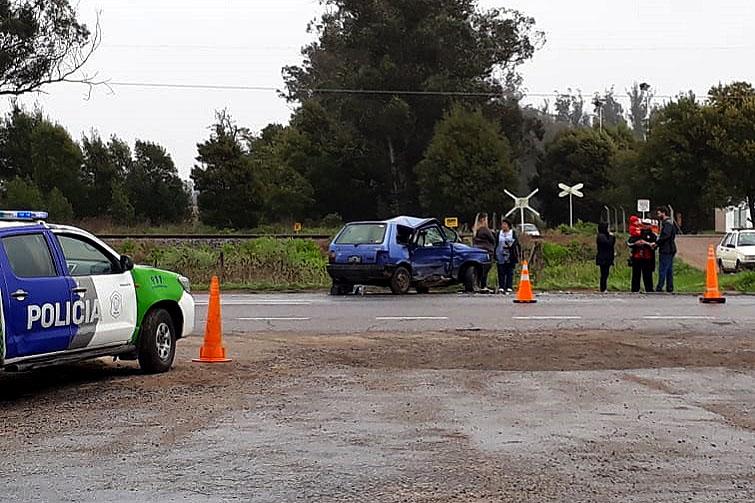 Una pareja y sus 5 hijos, heridos en un fuerte choque en la Ruta 2