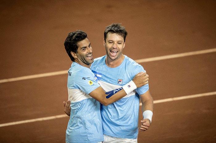 Zeballos avanza en el dobles del Abierto de Córdoba