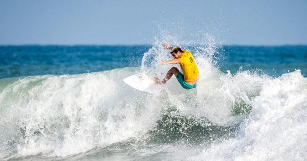 Santiago Muñiz se metió en la final del Mundial de Surf