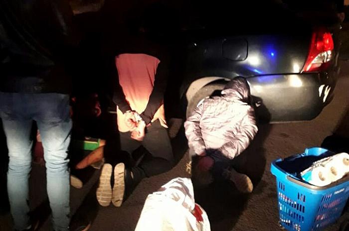 Saqueos e intento de robo en comercios: cinco detenidos