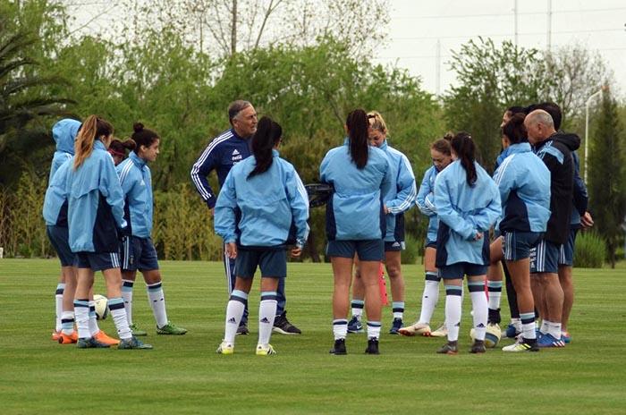 Fútbol femenino: tres marplatenses convocadas a la Selección