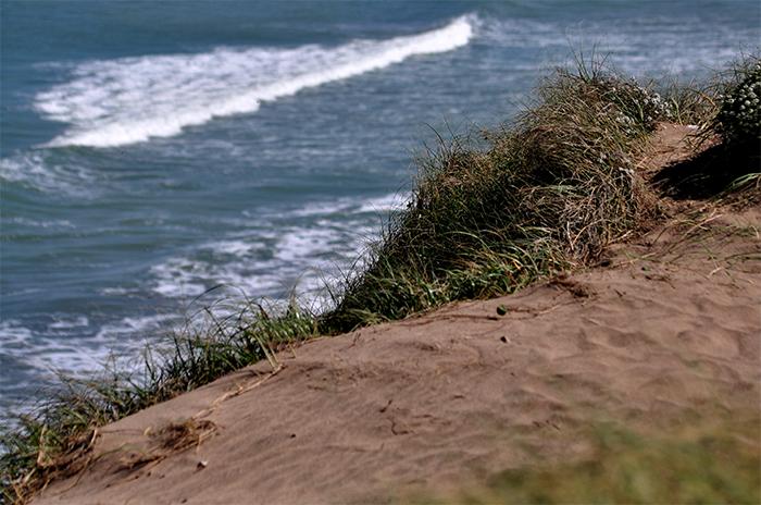 Heroico rescate en el mar en una playa del sur sin guardavidas