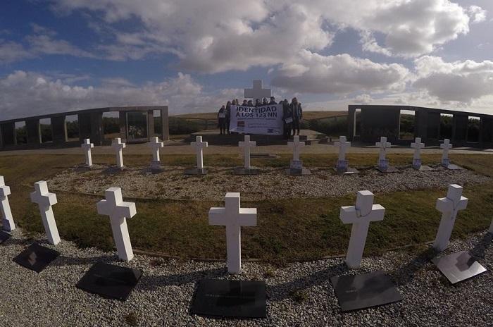 """Tumbas identificadas en Malvinas: """"No queremos dejar a nadie atrás"""""""