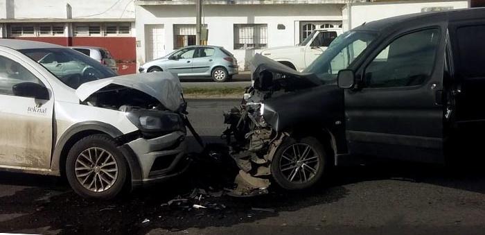 Violento choque en la avenida Luro: cuatro heridos