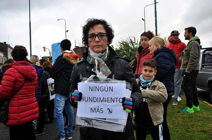 GABRIELA NINGUN HUNDIMIENTO MAS REPUNTE  (10)