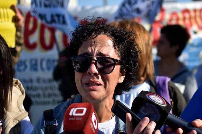 GABRIELA NINGUN HUNDIMIENTO MAS REPUNTE  (6)