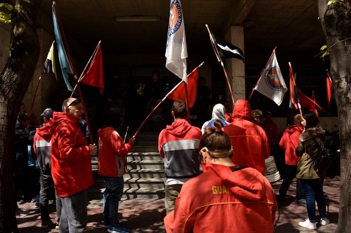 Mutual de Guardavidas: diez días de acampe y más protesta