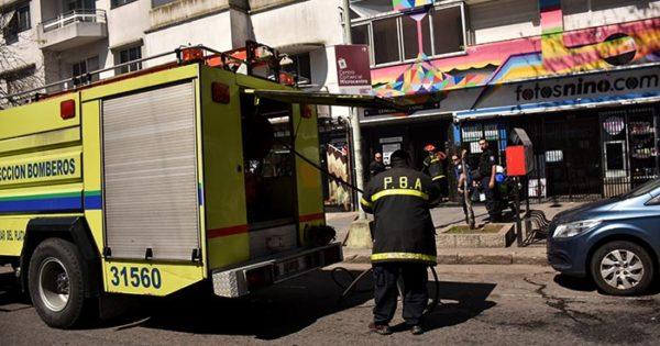 Controlan un incendio en un local del centro