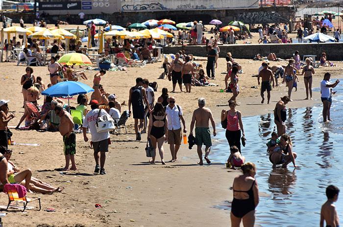 Lunes feriado con calor y playa: cómo sigue el tiempo