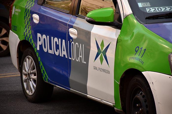 Detuvieron a una mujer por provocar disturbios y morder a una policía