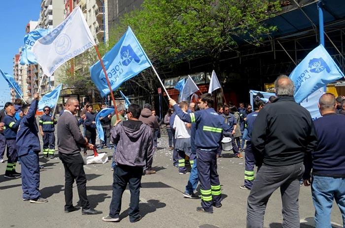 Trabajadores del Correo Argentino reclaman mejoras salariales