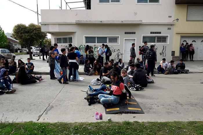 Escuela N°58, clausurada: otra vez promesas que no se cumplen