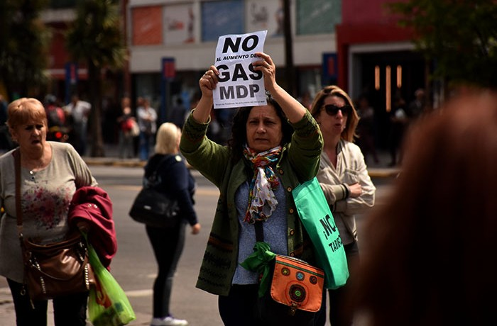 RECLAMO AUMENTO DE GAS VECINOS  (12)