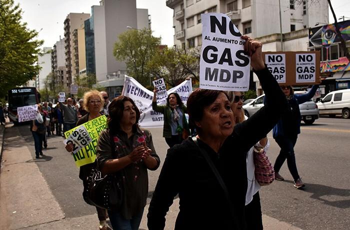 RECLAMO AUMENTO DE GAS VECINOS  (2)