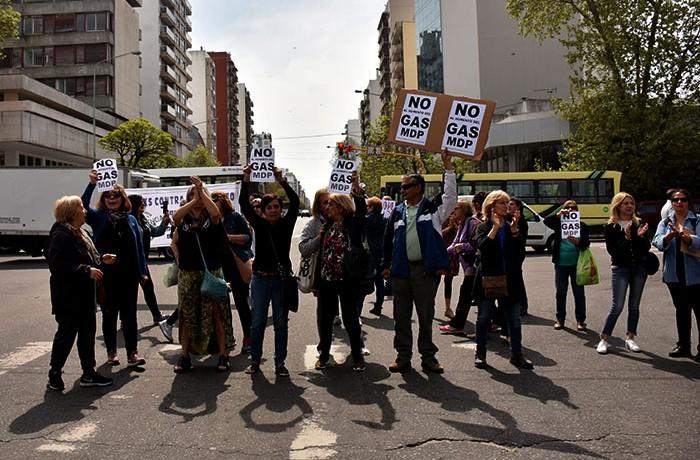 RECLAMO AUMENTO DE GAS VECINOS  (5)