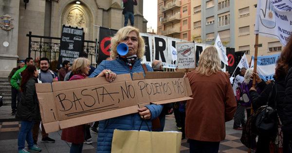 """Contra los tarifazos de luz, gas y agua, un """"ruidazo"""" en las calles"""
