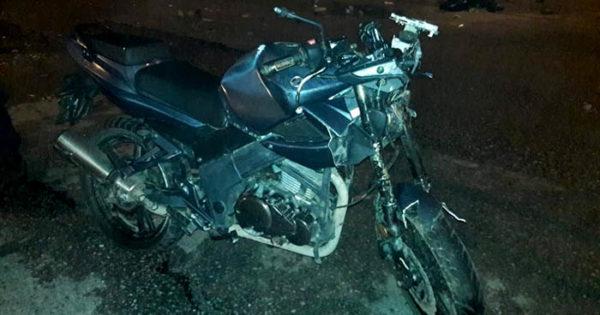 Un motociclista murió al ser arrollado por una camioneta