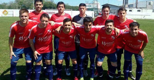 Fútbol local: Independiente empató y clasificó