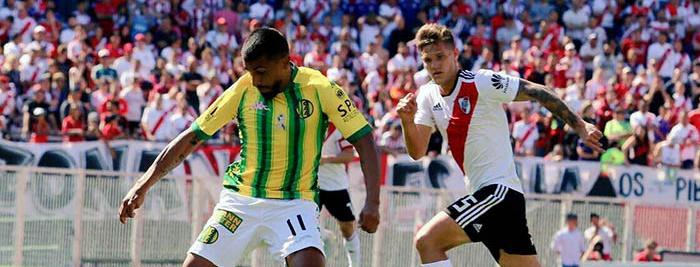 Un golazo del juvenil Ferreira selló la derrota de Aldosivi ante River