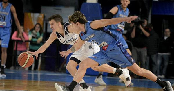 Super 20: Bahía Basket le cortó la racha a Peñarol