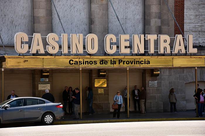 Casino Central: aprueban la licitación de las tragamonedas