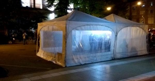 Los municipales intensifican la protesta e instalaron una carpa
