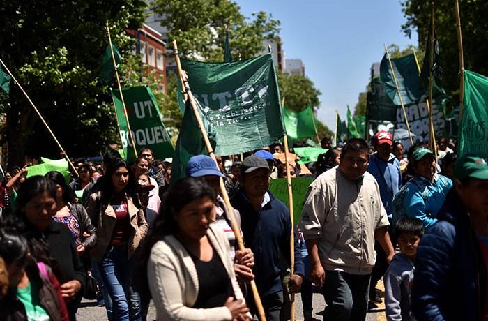 RECLAMOS PROTESTA MUNICIPALIDAD VERDURAZO POLO OBRERO VOTAMOS LUCHAR MTR MUNICIPALES  (1)