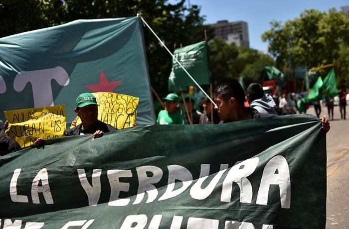 RECLAMOS PROTESTA MUNICIPALIDAD VERDURAZO POLO OBRERO VOTAMOS LUCHAR MTR MUNICIPALES  (6)