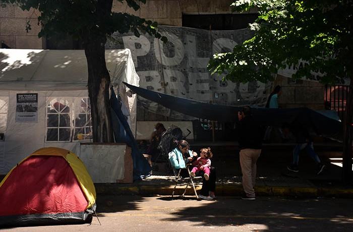 RECLAMOS PROTESTA MUNICIPALIDAD VERDURAZO POLO OBRERO VOTAMOS LUCHAR MTR MUNICIPALES  (9)