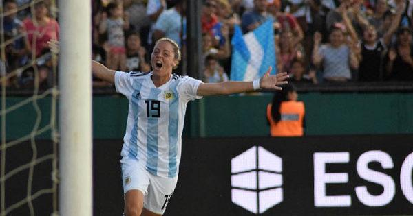 Argentina goleó a Panamá y llega cómoda a la revancha