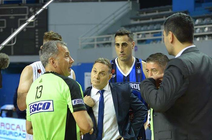 El partido de Peñarol, suspendido por goteras en el Polideportivo