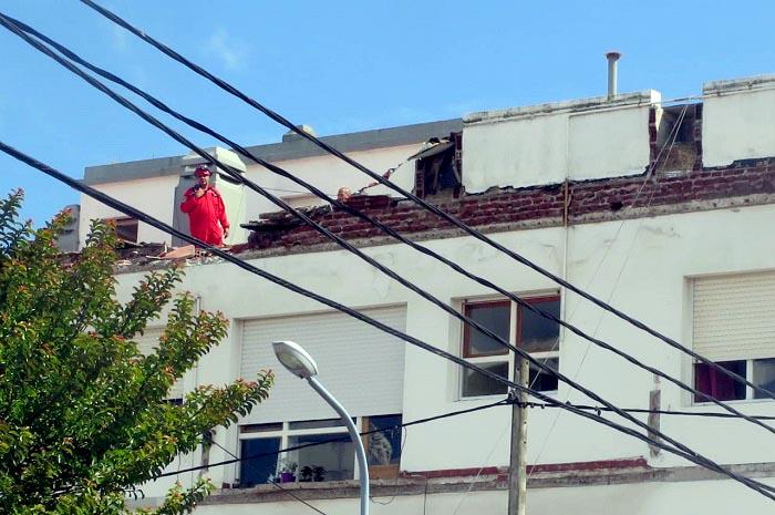 """""""Un administrador debe velar por la seguridad de los edificios"""""""