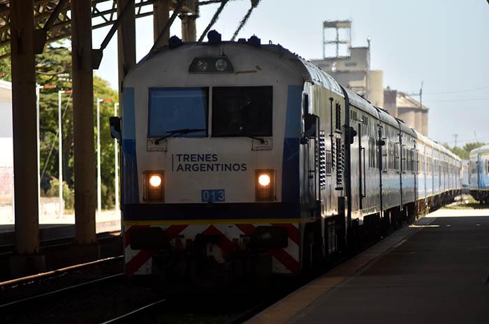 El tren a Mar del Plata y sus adicionales, sin pasajes hasta marzo