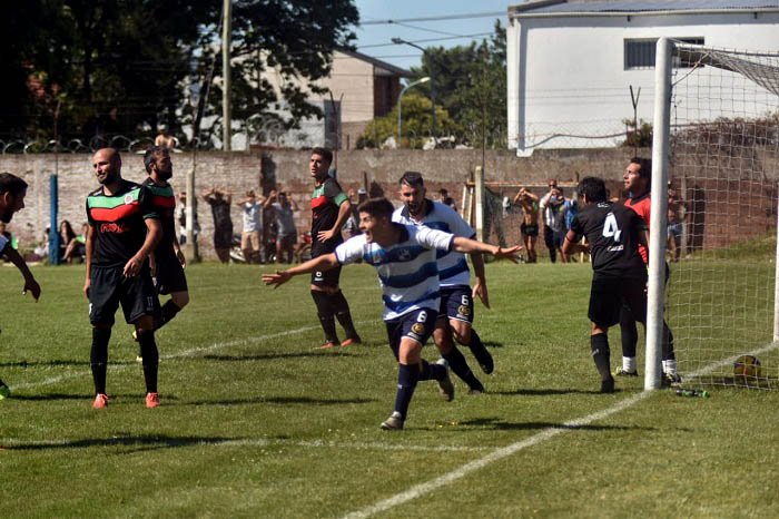FUTBOL LOCAL NACION URQUIZA 02