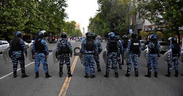 Acampe: tensión con la policía ante el desalojo que ordenó Arroyo