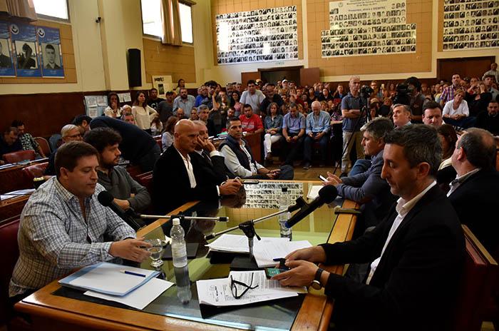 Bonificación docente: el Concejo interpeló a Mourelle y Distéfano