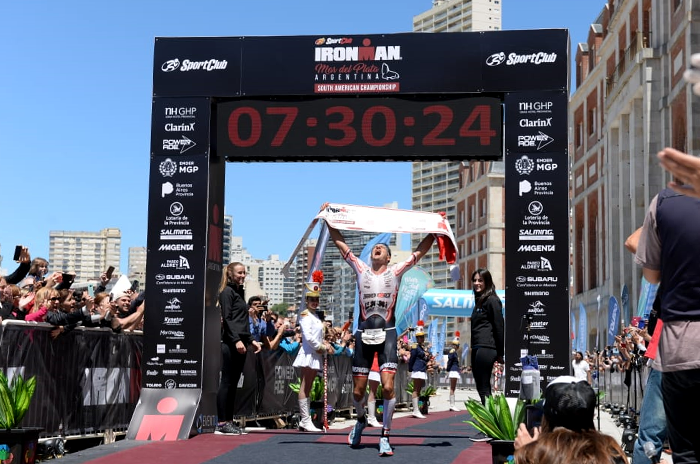 Crowley y Weiss, los campeones del segundo Ironman marplatense