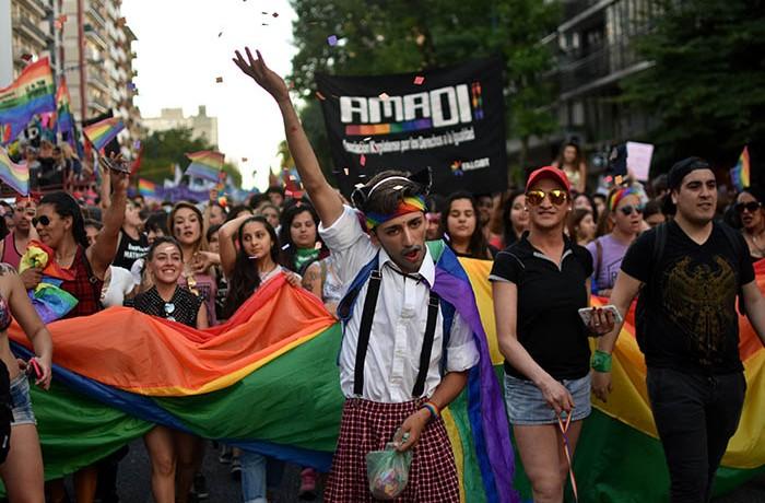 MARCHA DEL ORGULLO LGBTQI  (4)