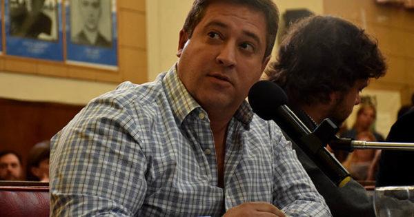 Tras la incertidumbre y el silencio, Arroyo echó a Hernán Mourelle