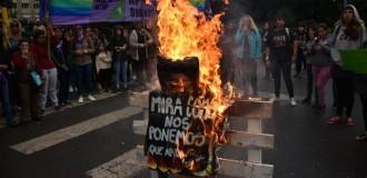 """""""Silbatazo"""" contra el abuso sexual: """"Que arda el patriarcado"""""""